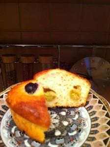 рецепт творожных кексов - с виноградом в разрезе