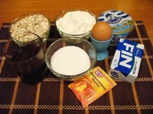 Продукты для овсяно-медового кекса с изюмом