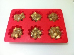 ржаная выпечка маффины с яблоками - в форме