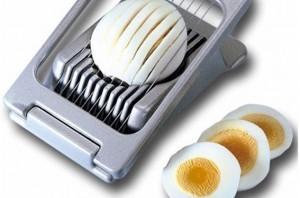 салат со свеклой - слой яиц