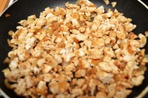 фарш и грибы с полезными макаронами 2я стадия