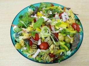 итальянский салат с макаронами - порция