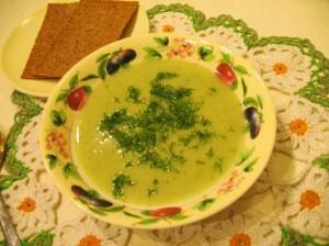 суп-пюре из брокколи - с хлебцами