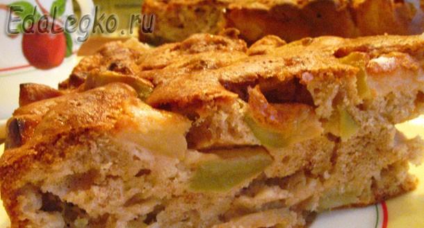 Простая шарлотка. Рецепт яблочной шарлотки.