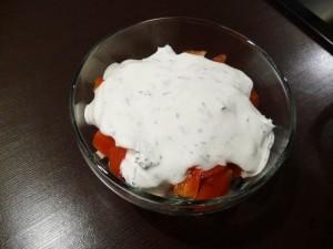салат с сухариками и сыром - заливка