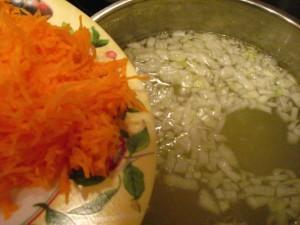 вкусный куриный суп - морковь