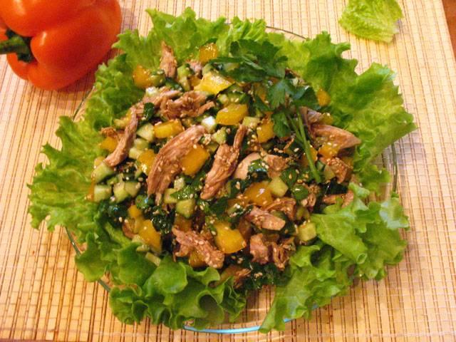 салат с огурцом и конжутом с фото