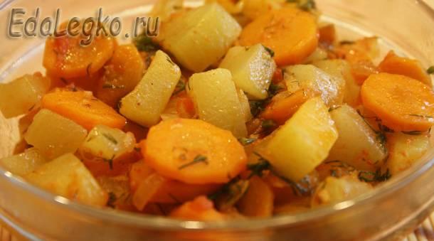 рецепт закуски из кабачков - кабачки с помидорами и морковью