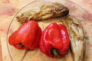 запеченный салат - баклажан и перец очищенные
