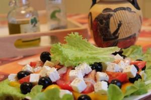 Как приготовить греческий салат - готово