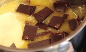 брауни с вишней и творогом - шоколад и масло