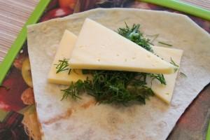 рулеты из лаваша в духовке - с сыром