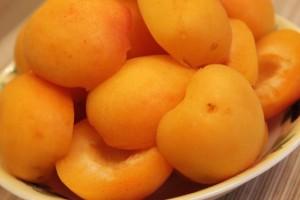 запеканка из творога с фруктами - абрикосы