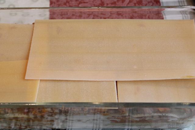 Итальянская лазанья - слой пластин лазаньи