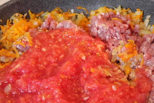 Итальянская лазанья - томаты и фарш