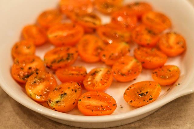 паста с вялеными помидорами - черри в форме