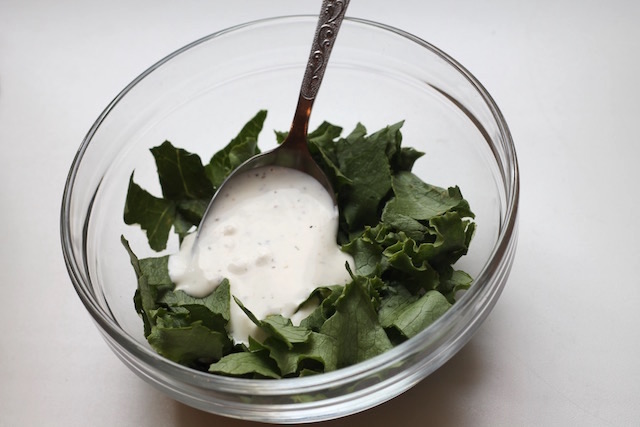летние закуски с салатом - салат с заправкой
