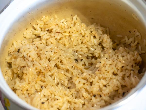 Индейка в кокосовом молоке - обжаренный рис