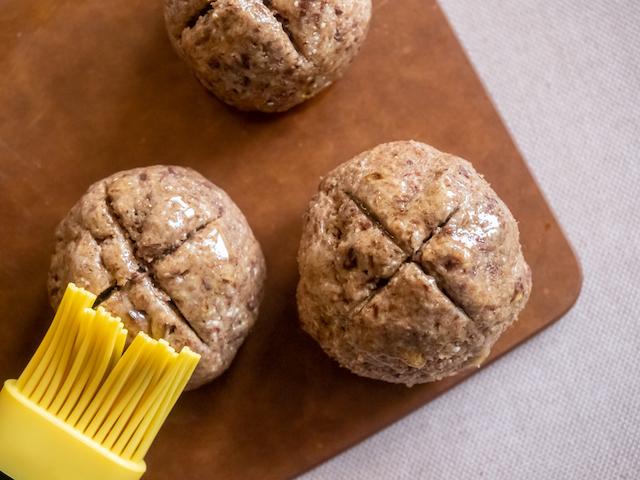 творожные булочки из ржаной муки - надрез