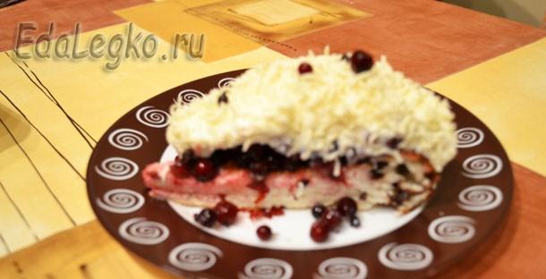 Брусничный пирог со сливочно-творожным кремом